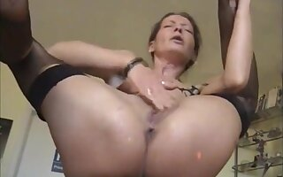 Unmitigatedly hot milf masturbating together with pissing squirting