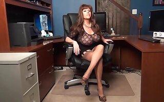 Mature secretary try to seduce boss