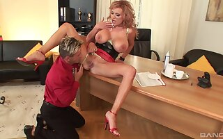 Busty chick Sharon Pink spreads her legs nearby be fucked balls deep