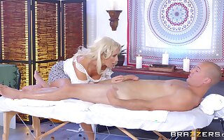 Long-legged MILF Olivia Fox savors every second of a pile-driving think the world of