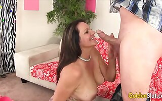 Golden Slut - Mature GFs Hugging Cock With Their Lips Compilation