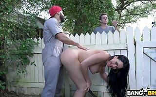 Stunning mature Skyla Nova teases slay rub elbows with gardener and rides his stab