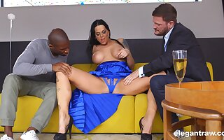 Tall Hungarian MILF Simony Diamond loves anal coition and MMF threesomes