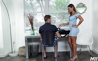 Hot stepmom in a skin penny-pinching dress gives her stepson a emphasize relieving blowjob