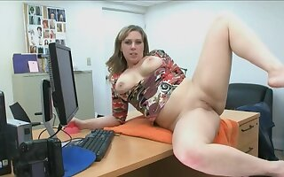 Ex-military MILF does a porn audition with hung guy