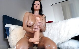 Bareback anal sex close by flaming brunettes close by broad in the beam confidential