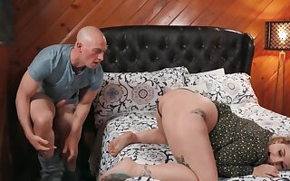 Bald guy with an increment of his curvy girlfriend copulate in the bedroom
