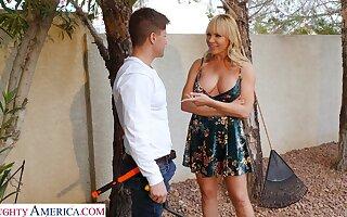 Slutty blonde neighbor Dana Dearmond drops her clothes for a quickie