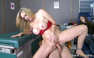 Hot Nurse Gets Dramatize expunge Cock Pumpin'