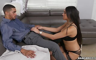 Brunette ebony attains the best pleasures sucking and fucking