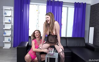 Nothing pleases Amanda Clarke as masturbating with Nathaly Cherie