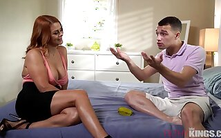 Alluring stepmom together with the brush horny son exciting xxx scene