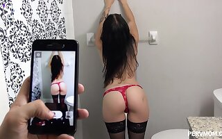 Nude babe shows off in a crazy amateur cam show