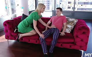 Big tittied stepmom Kit Mercer asks to approve of to get pregnant