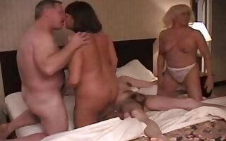Orgy be beneficial to matured swingers