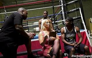 Mature pornstar Alura Jenson gets fucked in all holes by two BBCs