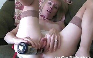 Fabulous hmemade video from the gargantuan Wicked Sexy Melanie