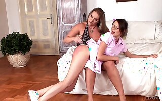 Laura Orsoia and Kalea Taylor up amateur kinky scene with ass spanking