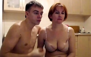 MILF Fucking with Young people MILF Young b ne